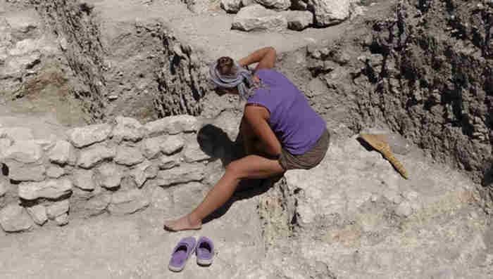 Археологическая экспедиция на территории музея-заповедника «Херсонес Таврический» в этом году выявила одно из помещений древнего храма.