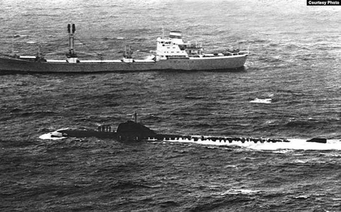 Субмарина К-8 и сухогруз