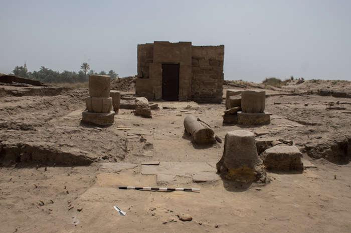 Археологи, работающие возле храмового комплекса Карнак в Луксоре, Египет, нашли необыкновенную часовню, посвященную богу Осирису. Остатки часовни Осириса-Птах Небанха находятся к югу от десятого пилона Карнака и к востоку от знаменитой аллеи сфинксов с головами баранов.