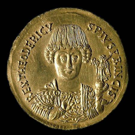 Золотая монета (тремисс) с изображением Теодориха Великого
