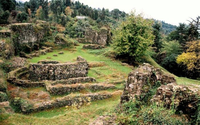 Руины крепости Петра (Цихисдзири)